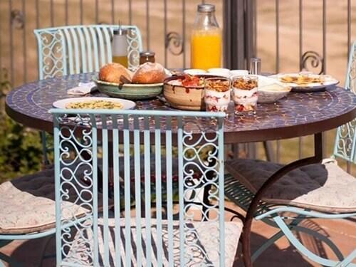 """ארוחת בוקר מול הנוף הקסום ב""""קורא במדבר"""""""