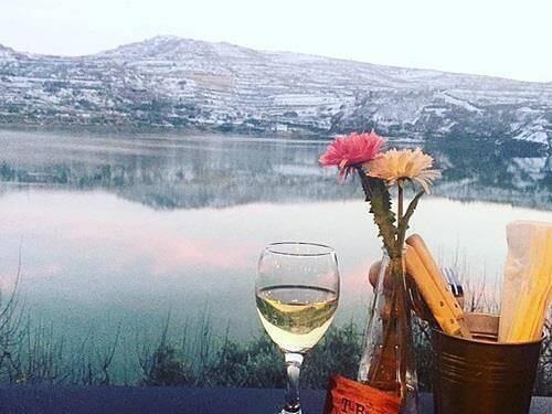 לאכול על האגם. בתמונה: מסעדת T-BONE והנוף המהפנט