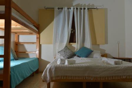 חדרי האירוח הכפריים, חדר הדס