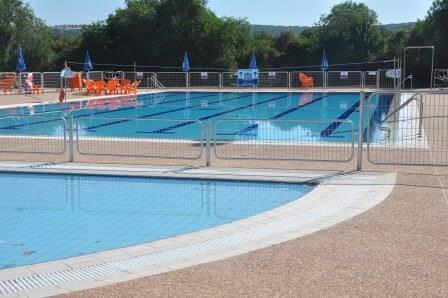 בריכת השחייה, פתוחה בעונת הקיץ