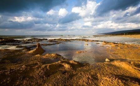 חוף אכזיב: גן עדן לחובבי ים