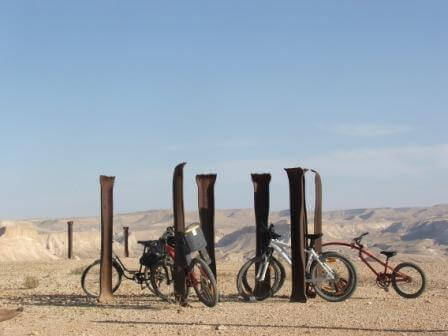 4 מסלולי רכיבה במדבר: באווירה מדברית