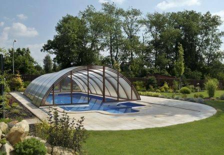 בריכות שחייה: איך לשמר את איכות המים ולחסוך בעלויות