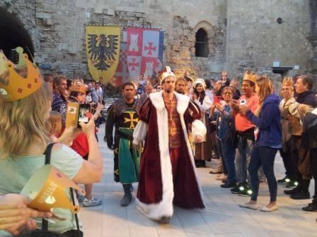 ימי הביניים: על אבירים, קרבות וקולינריה