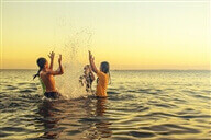 חופי ים מומלצים, קמפינג על החוף