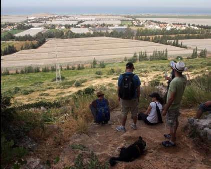 טיול למטיבי לכת: מפגש בין ים להר