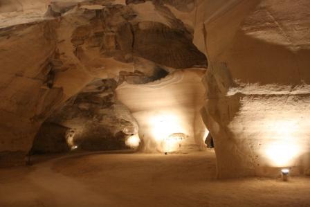 בית גוברין:  חוויה בין המערות