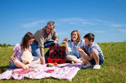 פיקניק תחת השמש בשבת: עונת הפיקניקים
