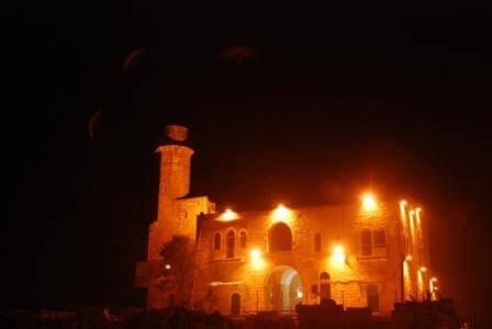 מבצר שכולו אור (צילום עמוס טל)