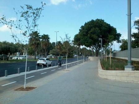 """פרוייקט חדש בעיר, שד' רוקח (צילום, מרכז הירידים ת""""א)"""