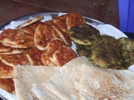 מגוון פיתות תוצרת ביתית. צילום: אירוח בדליה