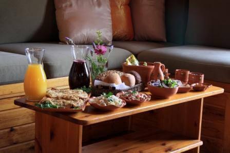 ארוחת בוקר עשירה, צילום: אלברט אדוט