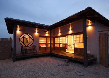 ראקויה, מתחם אירוח בסגנון יפני