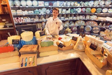 מבחר גבינות שלא נגמר, באשר גבינות, צילום אלי גיטלמן