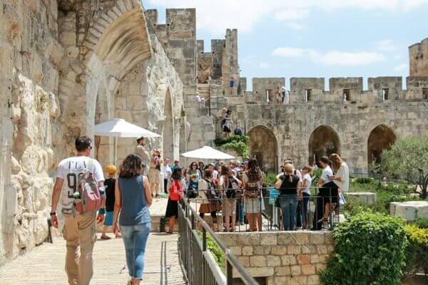 סיור חומות במגדל דוד. צילום: ריקי רחמן