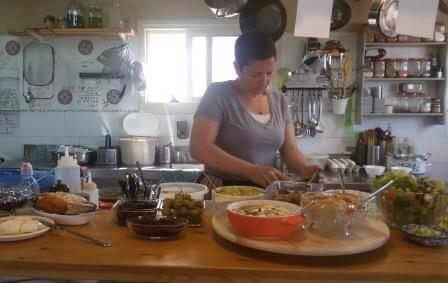 מסעדה עם נטייה לבישול טבעוני מובהק
