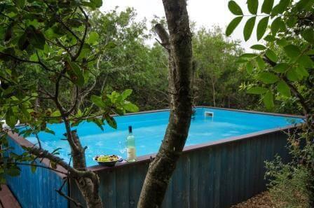 גם הבריכה בפרטיות מוחלטת, הכפר הסקנדינבי