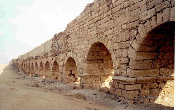 """ויש גם אתרים ארכיולוגיים. צילום: דר צביקה צוק לרט""""ג"""