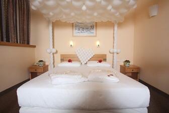 מלון ענבר
